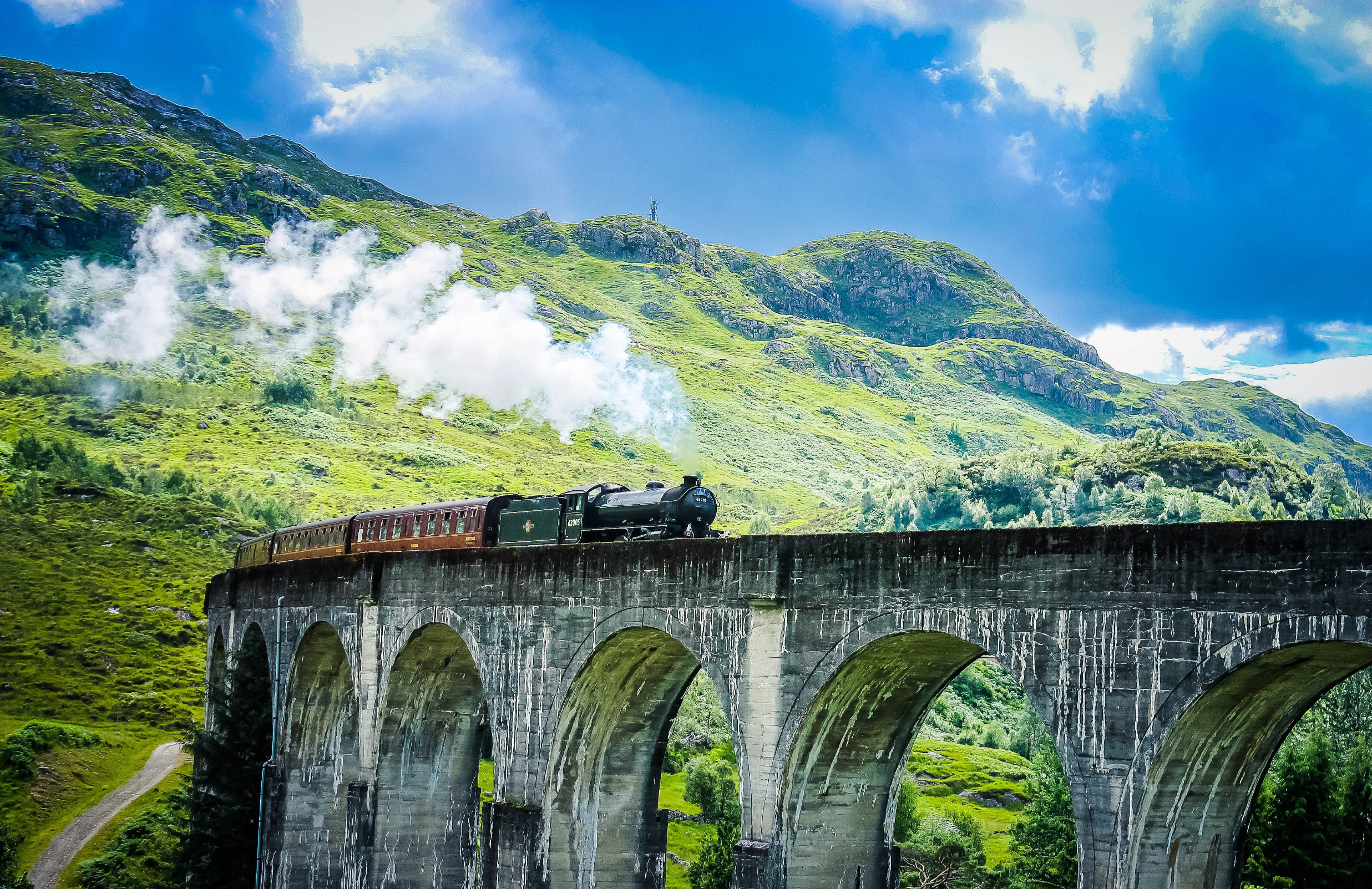 Scottish Train - Glenfinnan Viaduct